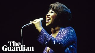 Baixar One song, six decades: Aretha Franklin sings (You Make Me Feel Like) A Natural Woman