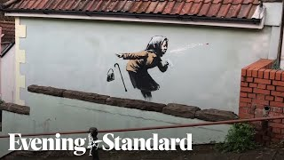 Subscribe to the evening standard on : https://www./channel/uc7rqon_ywcnp_lbpteww65w?sub_confirmation=1banksy may have struck again in bris...