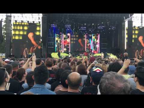 GNR@Auckland-Welcome to the Jungle