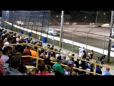 Sportsman feature race at Genesee Speedway on 7/23/16
