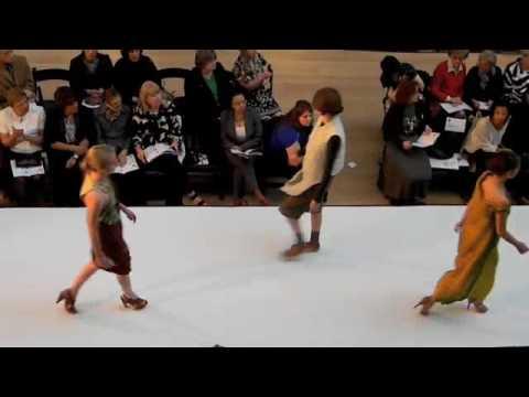 Fashion Show Art Institute of Chicago