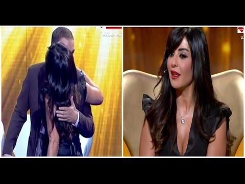 مذيع العرب - بوسة الإعلامية راغدة شلهوب للإعلامي طونى خليفة على الهواء امام ليلى علوى ومنى ابو حمزة
