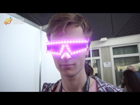 Studentas sukūrė LED kuprinę ir akinius