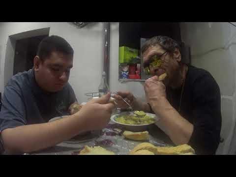Ужинаем с Батей тушёной картошкой вермутом DELASY
