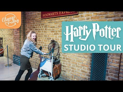 HARRY POTTER STUDIO TOUR GUIDE - Hogwarts, Forbidden Forest & Butter Beer - London Vlog 2018
