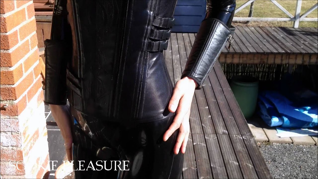 & Underworld Selene - Death dealer latex cosplay - YouTube