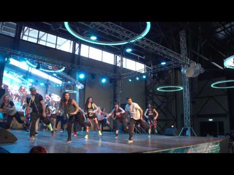 Warm Up Zumba Romania by Andrei Hinta