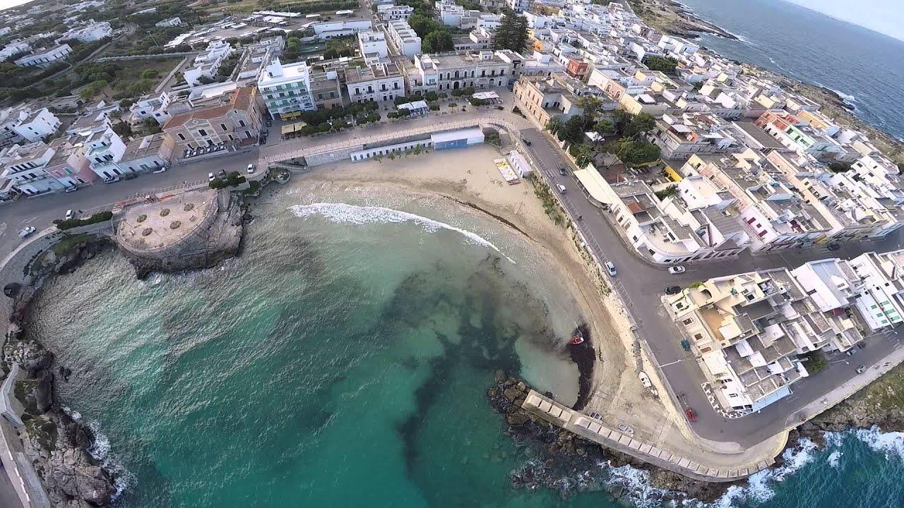 Spiaggia di s maria al bagno salento veduta aerea youtube - Santa maria al bagno spiagge ...