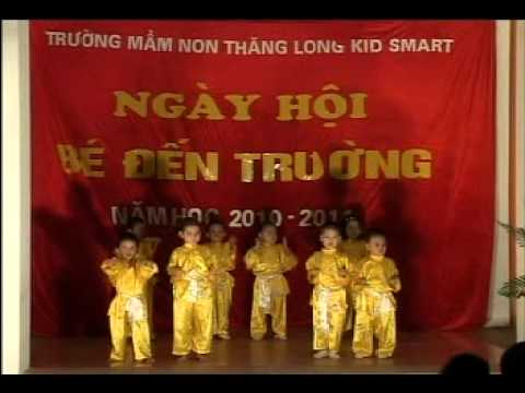 Mua vo cua cac be 4-5 tuoi Truong mam non ThangLong KidSmart.avi