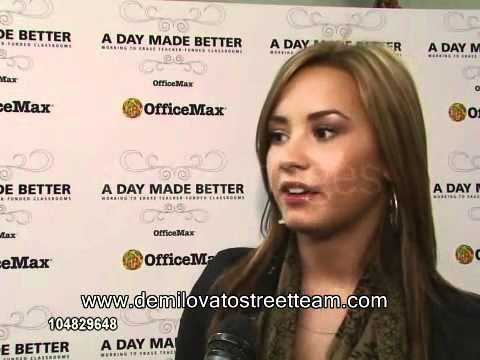 Demi Lovato at Grape Street Elementary School (performance, interview and other raw footage)
