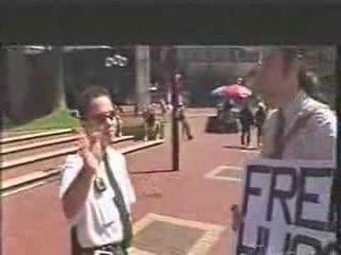 Free Hugs Campaign on TEN News Australia