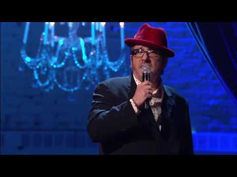 "Elvis Costello Performs ""If I Only Had A Brain"""