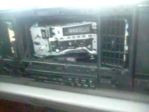 3800z's 1993 Lesabre Ghetto Radio Installation