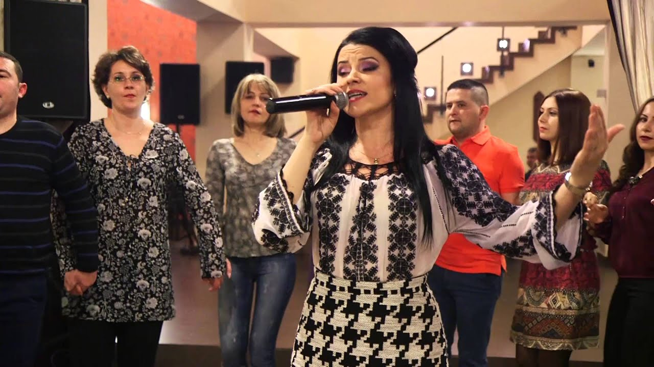 Mariana Palavu  hora live  cu formatia Krystal