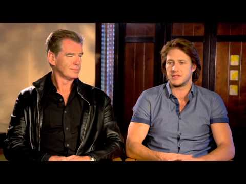 "The November Man: Pierce Brosnan ""Peter Devereaux"" & Luke Bracey ""David Mason"" Official Interview"