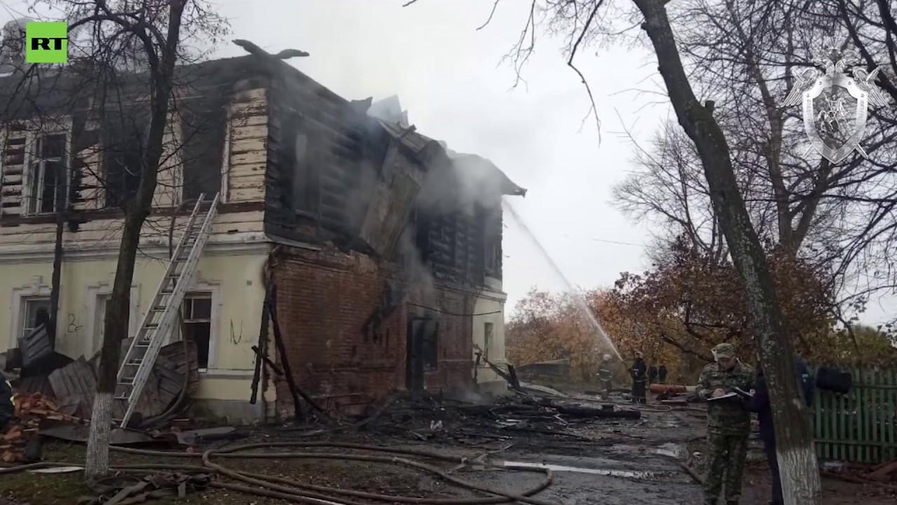 В Ярославской области в результате пожара в жилом доме погибли семь человек