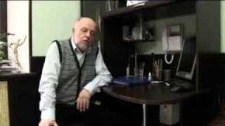 Врачи о слинге (педиатр, неонатолог, невролог)(Пиотровский Сергей Михайлович окончил педиатрический факультет 2-го ММИ в 1975 году, прошел интернатуру по..., 2011-08-08T22:45:09.000Z)