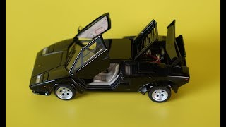 LAMBORGHINI COUNTACH AUTOART 1:43 ALL OPEN