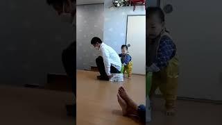 201018 아기랑 쌈박질 ㅋㅋㅋ 의자쟁탈전  ㅋㅋㅋㅋ…