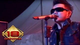 Download lagu Five Minutes - Sumpah Mati   (Live Konser Tasik 31 Maret 2012)