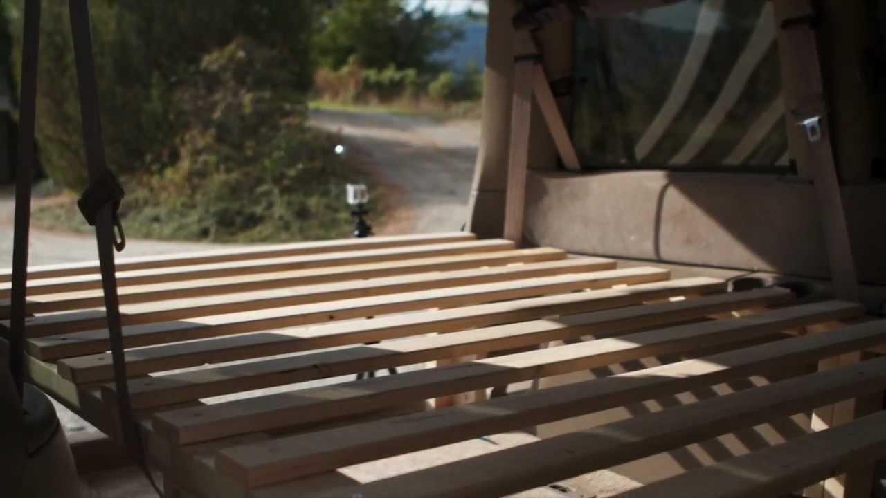 Construction Dun Lit Dans Un Van