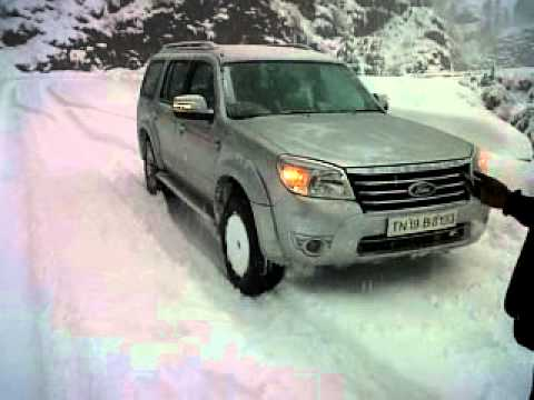 With the Ford Endeavour at Narkanda - snow