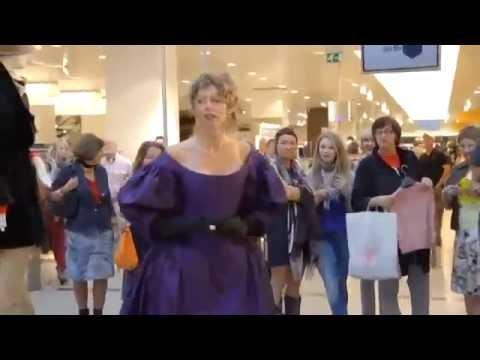 Wonderful flashmob Verdi, La Traviata