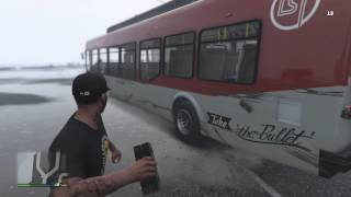 Blowing up a bus with 25 sticky bombs (GTA 5 GAMEPLAY)