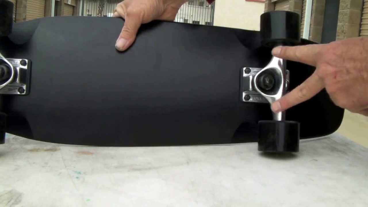 Roswell s Mini Cruiser Complete Skateboard - YouTube b7d86a6f90f