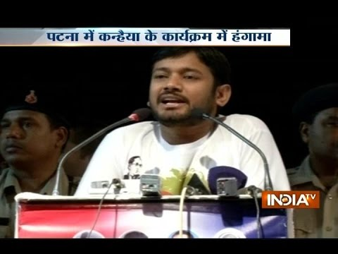 Man shows black flag to Kanhaiya, beaten up by his supporters in Patna