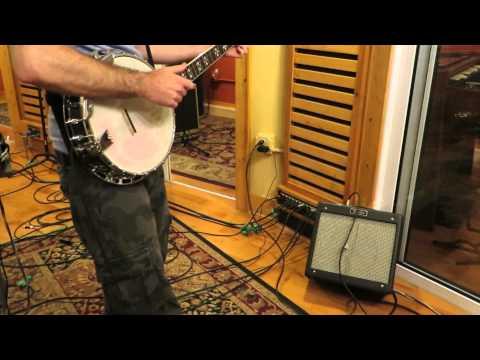 Clawhammer Banjo - Humbucker pickup in an openback banjo