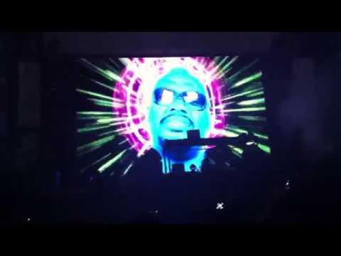 Fatboy Slim - Intro - Live Sundance Dubai 2012