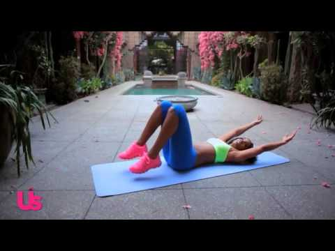 Kelly Rowland Shares Her Abs Workout With Us!