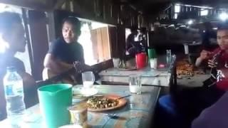 Pulanglah uda.lagu padang dinyanyikan orang batak Parbalohan Trio.Rendang Rasa Saksang.