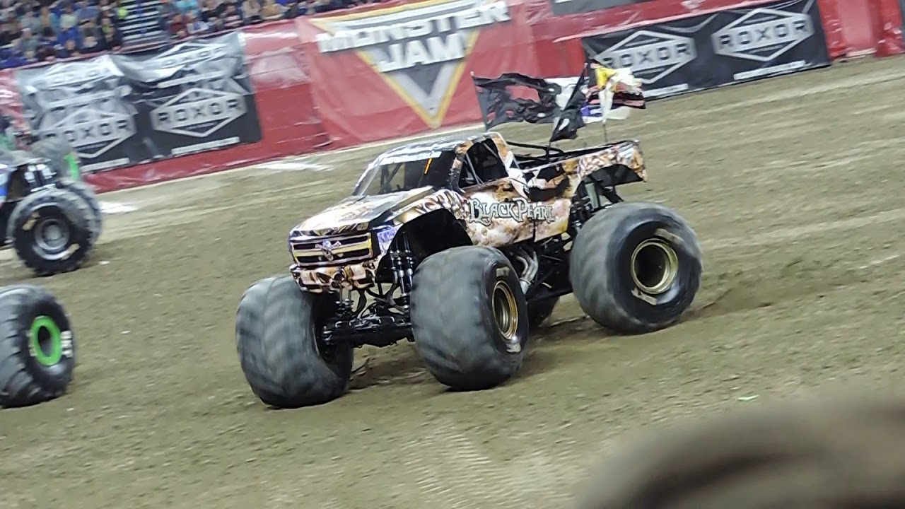 Black Pearl Monster Truck Freestyle And Crash Monster Jam 2020 Indianapolis Youtube