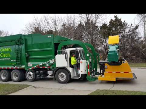 Waste Management: CNG Autocar ACX Xpeditor/ McNeilus Atlantic FL-- w/ Curotto Can