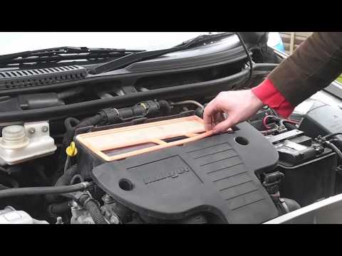 Fiat 1.3 Multijet Engine Air filter change