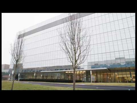 Entrance Built Around Our Patients | Cleveland Clinic Taussig Cancer Center