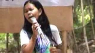 Checkout this Filipina Songbird Simon Cowell