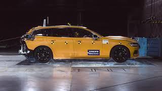 New Volvo V60 crash test