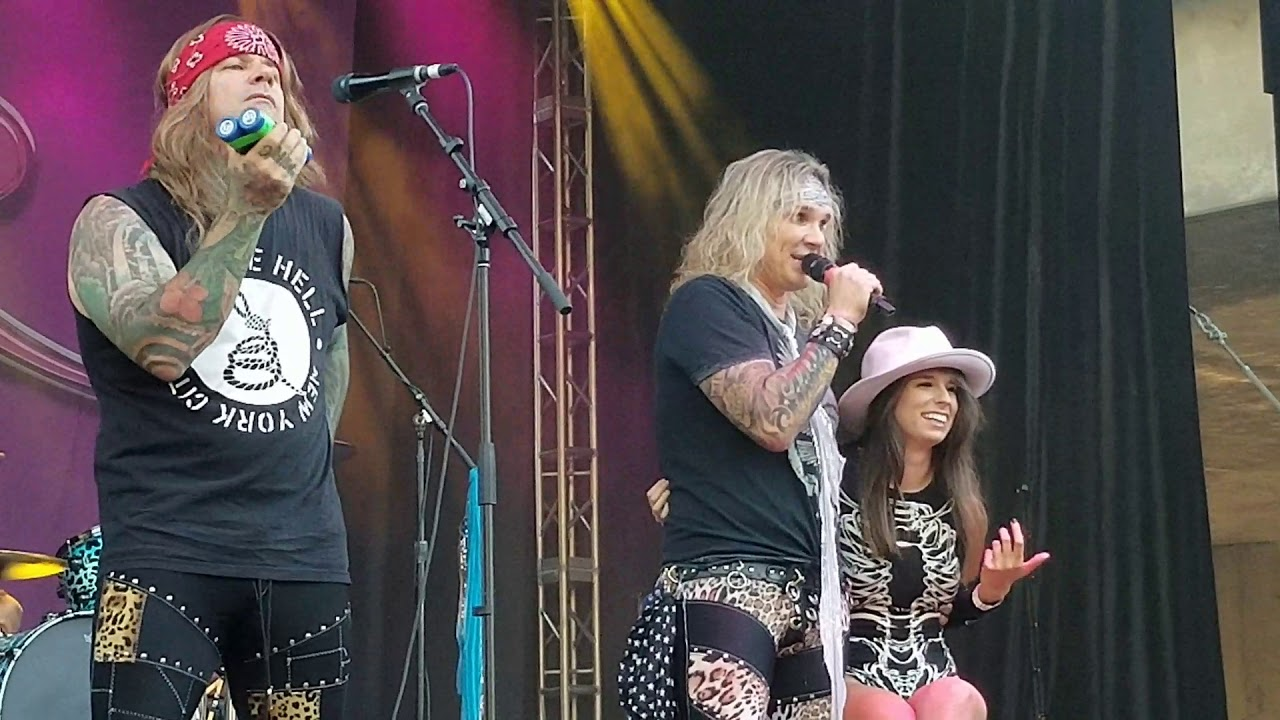 Steel Panther - Girl From Oklahoma - YouTube