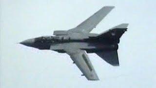 Arrivals + Display RAF Tornado GR4 @ KLu Open Dagen Volkel 2004