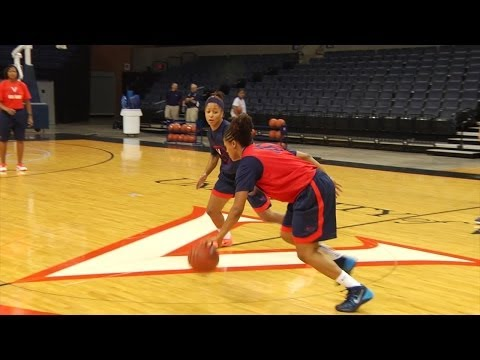 WOMEN'S BASKETBALL: Opening Practice