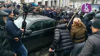 Слезоточивый газ против протестующих на Майдане, 5 декабря 2017