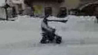 francesca sul quad a sambuco nella neve 1