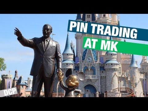 Pin trading at the Magic Kingdom // DCP.15