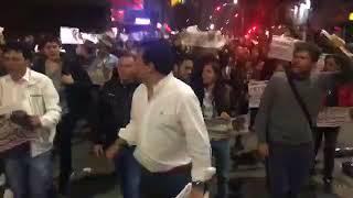 Gustavo Petro En vivo Sorpresiva marcha por el centro de Bogota en apoyo a Petro