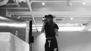 Seulgi singing Stay by Rihanna