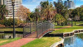 Австралия  Природа  Австралии   Queens Park Красивейший парк Перта (Perth Australia)(Розовые какаду, байкеры, металлическое сооружение - все в центре города Перта https://youtu.be/z8TN9OX2uNU., 2015-03-31T09:24:03.000Z)