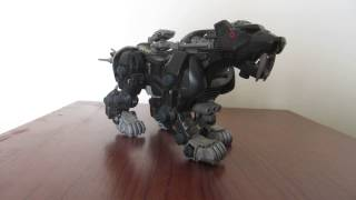 A short clip demonstrating how the 1980s battery powered Zoids Zabe...